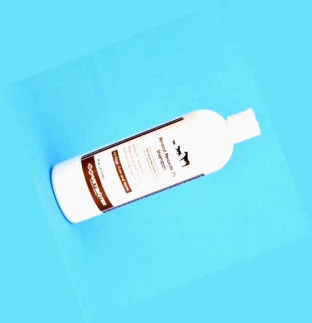 Benzoyl peroxide body wash