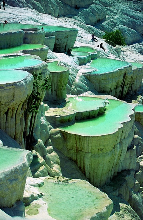 21 Amazing Alien-Like Places on Our World That Are From Another Planet (6)