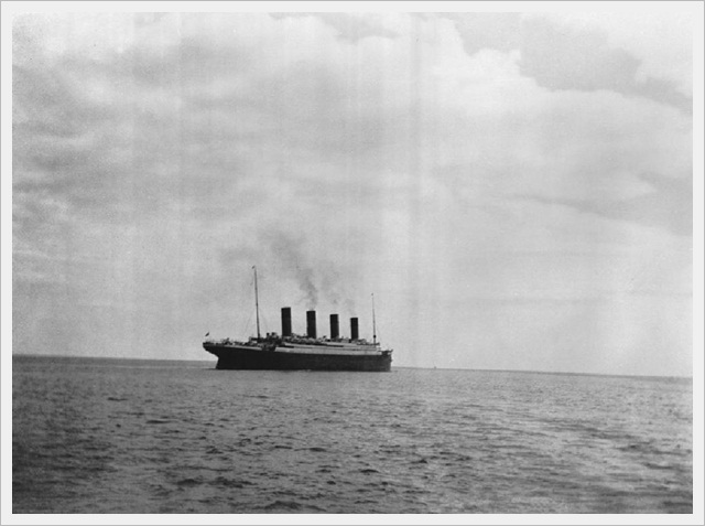 Last photo taken of the Titanic (1912)