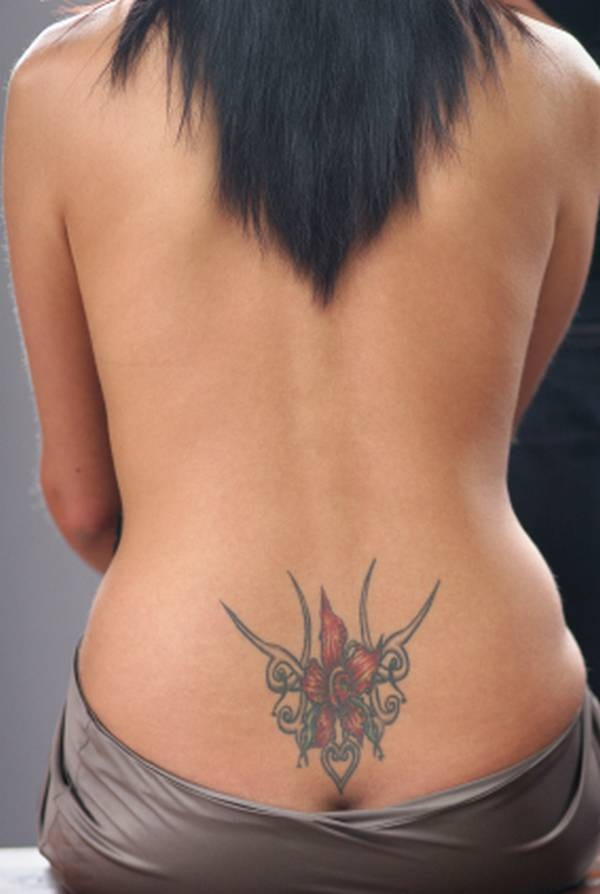Sexy Lower Back Tattoo Designs For Girls (71)