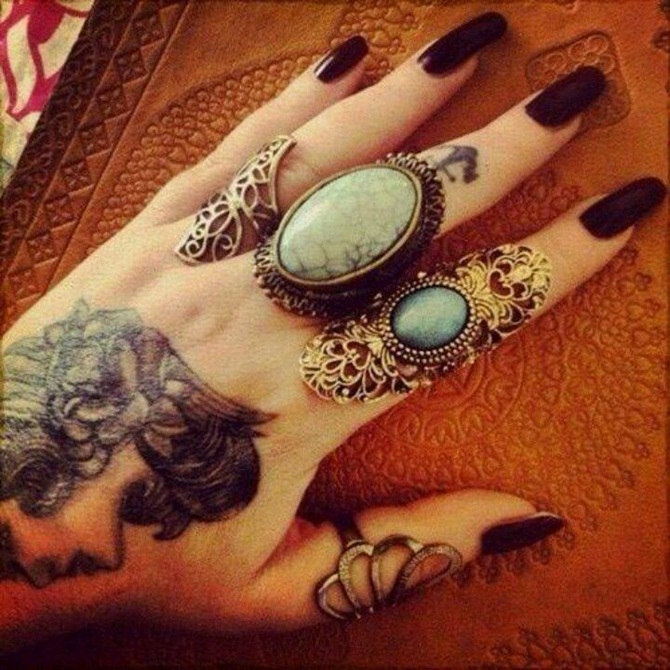Creative Hand Tattoo Designs in Vogue (19)